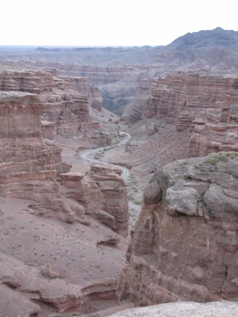 дорога в чарынском каньоне